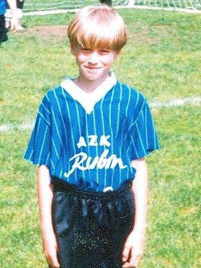 POZNÁTE HO? Tak takhle vypadal Jan Blažek vmladších žácích, kdy oblékal dres Baníku Žacléř.