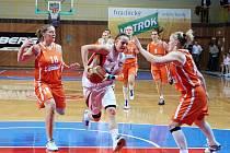 Sokol Hradec Králové - VŠ Praha 62:65 (20:16, 37:41, 55:53)