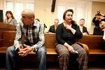 Za obchodování s lidmi odešla čtveřice od Krajského soudu v Hradci s tresty od tří do deseti let.