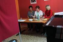 Volební komise v Pšánkách.
