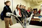 Den otevřených dveří na lékařské fakultě UHK (15. ledna 2011).