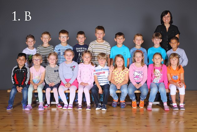 Žáci třídy 1.B ze Základní školy Karla IV. vNovém Bydžově.