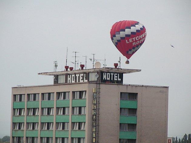 Balonové nokturno nad Slezským Předměstím