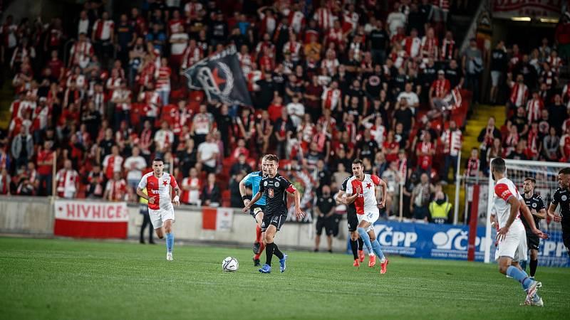 U MISTRA fotbalisté Hradce Králové body nezískala. Slavia vyhrála 4:1.