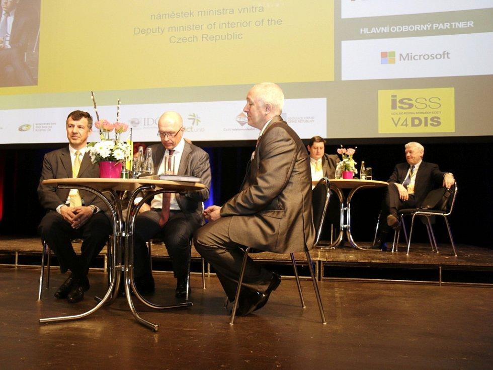 Konference Internet ve státní správě a samosprávě v kongresovém centru Aldis v Hradci Králové.