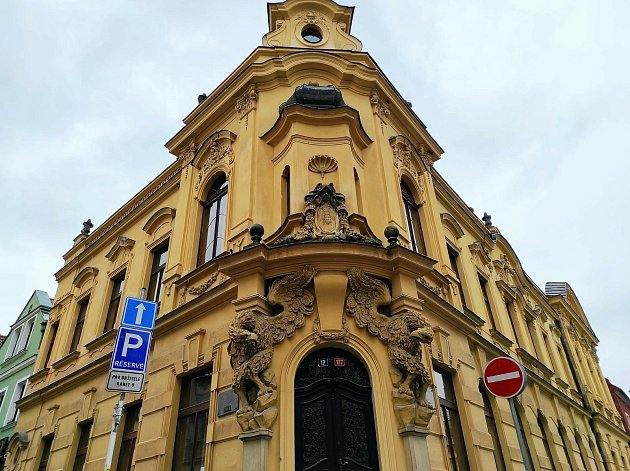 Do historické budovy vTomkově ulici se nastěhuje biskupské gymnázium.