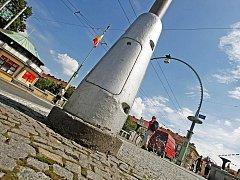 Na Hradecku se množí krádeže, které ohrožují okolí. Kromě nerezu zloději berou třeba i litinu ze sloupů osvětlení, 5.srpna.
