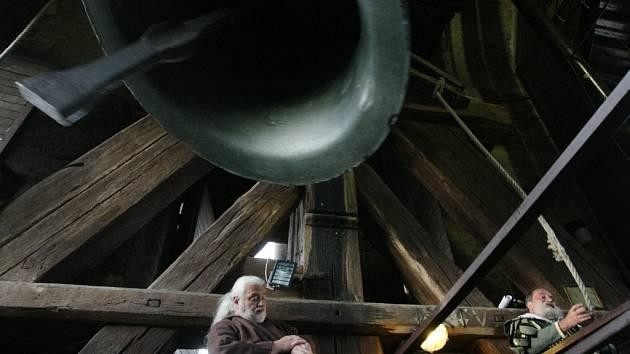 Slavnost zvonu Augustin na Bílé věži v Hradci Králové.