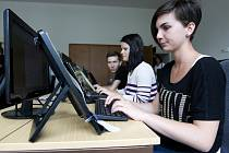 Hradecká juniorka - soutěž v psaní na klávesnici.
