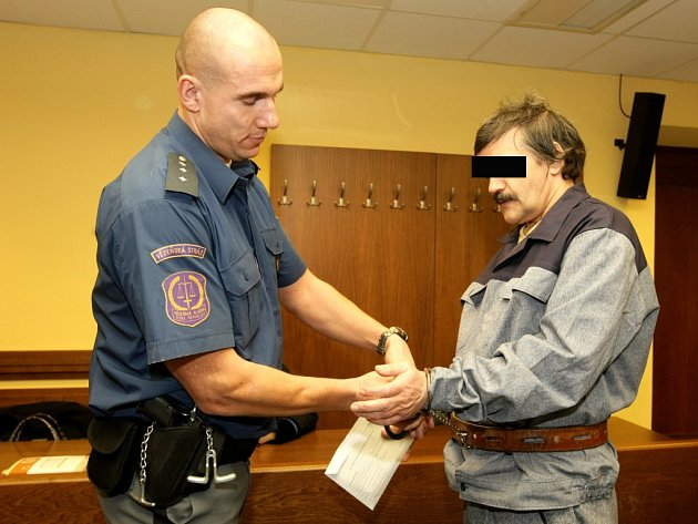 Aleš L. u Krajského soudu v Hradci Králové.