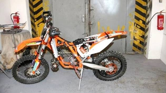 Motocykl značky KTM 300 EXC.