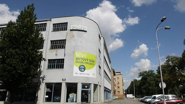 Novákovy garáže v Hradci Králové.