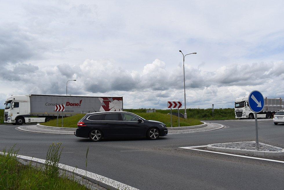 Druhým nejrizikovějším místem v kraji je podle statistik kruhový objezd mezi Hradcem Králové a Stěžerami.