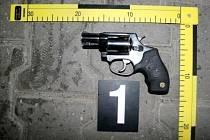 Pětiranný bubínkový revolver zn. Taurus ráže 38 mm.