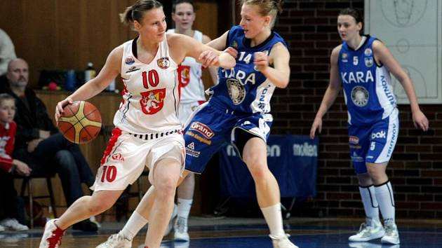 Ženská basketbalová liga: Sokol Hradec Králové - Kara Trutnov.