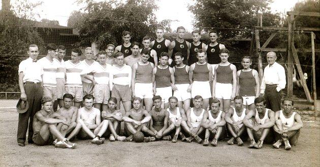 Počátky volejbalu vHradci - dvacátá léta.