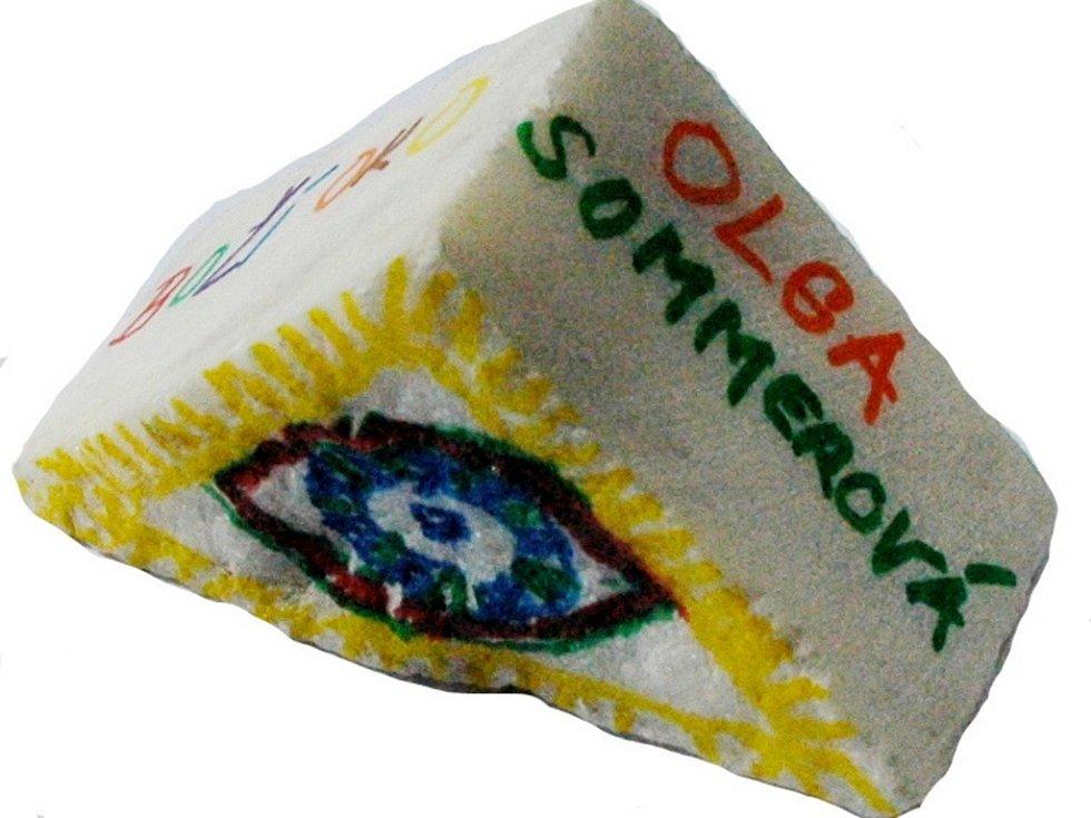 Omalovaný kamínek: Olga Sommerová.