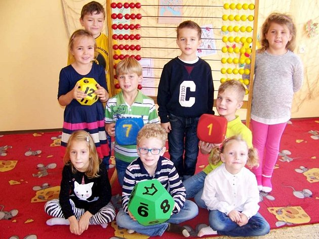 Základní škola Nepolisy - žáci 1.třídy.