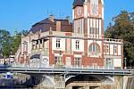 Malá vodní elektrárna Hučák v Hradci Králové.