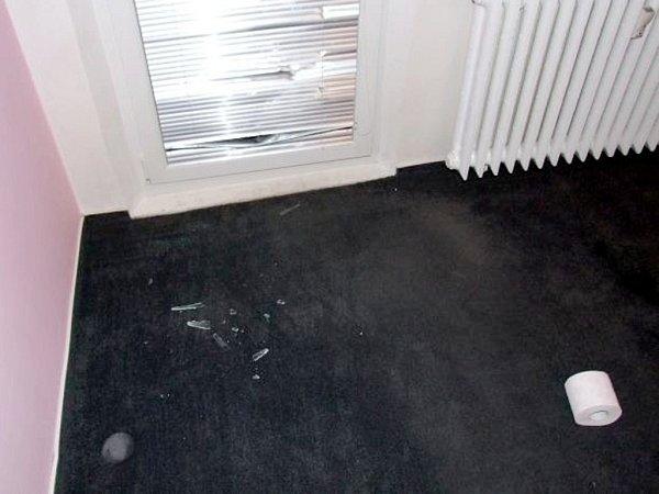 Násilný vstup balkonovými dveřmi.
