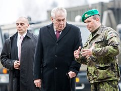 Vojenskou nemocnici navštívil prezident při své loňské návštěvě v únoru. Tehdy překvapil velitele i mluvčí generálního štábu armády svým výrokem, že vyšlou lékaře do Jordánska.