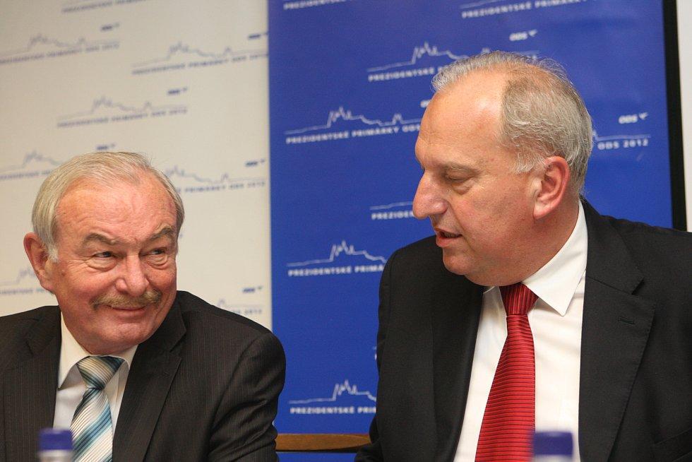 Zleva Přemysl Sobotka a Evžen Tošenovský.