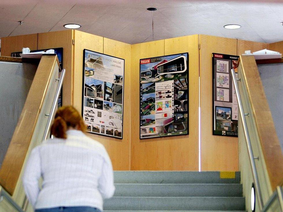 Expozice nazvaná Stavařina nuda není v Galerii Automat ve Studijní a vědecké knihovně Hradec Králové.