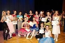 Členky Baletu Hradec Králové během soutěže Hradecká Odette.