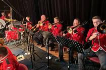Chlumecký dechový orchestr odehrál sváteční koncert.