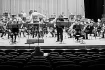 Orchestr FHK při zkoušce.