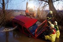 Havárie osobního automobilu u Komárova.