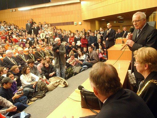 Václav Klaus v aule UHK
