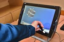 Kraj vybavil bydžovské gymnázium novým softwarem pro digitální vzdělávání.