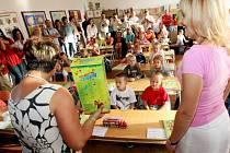 První den ve škole prvňáků v ZŠ TGM v Plotištích nad Labem