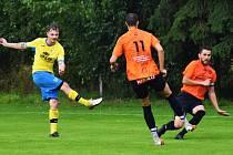 V Roudnici se první porážky v sezoně dočkala hradecká Lokomotiva.