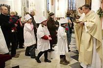 Tříkrálová sbírka v Hradci Králové začíná v katedrále svatého Ducha.