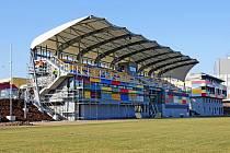 Rekonstrukce královéhradeckého fotbalového areálu Bavlna.