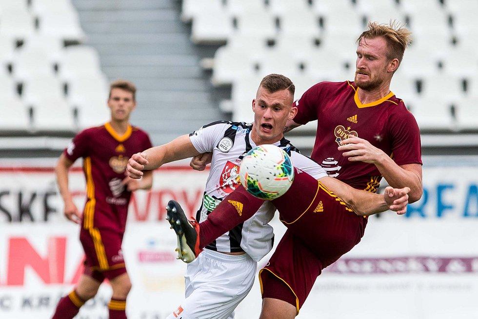 Fotbalová FORTUNA:NÁRODNÍ LIGA: FC Hradec Králové - FK Dukla Praha.