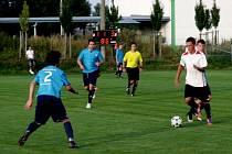 Krajská fotbalová I. B třída, skupina A: TJ Lokomotiva Hradec Králové - SK Hošek Robousy.