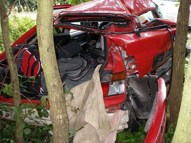 Tragická nehoda mezi obcemi Polánky a Ledce na Královéhradecku