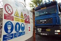 Chvaletice, odvoz nebezpečného odpadu