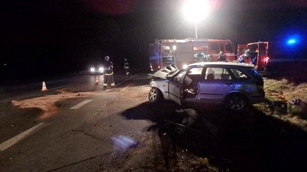 Dopravní nehoda dvou osobních automobilů uOlečnice.