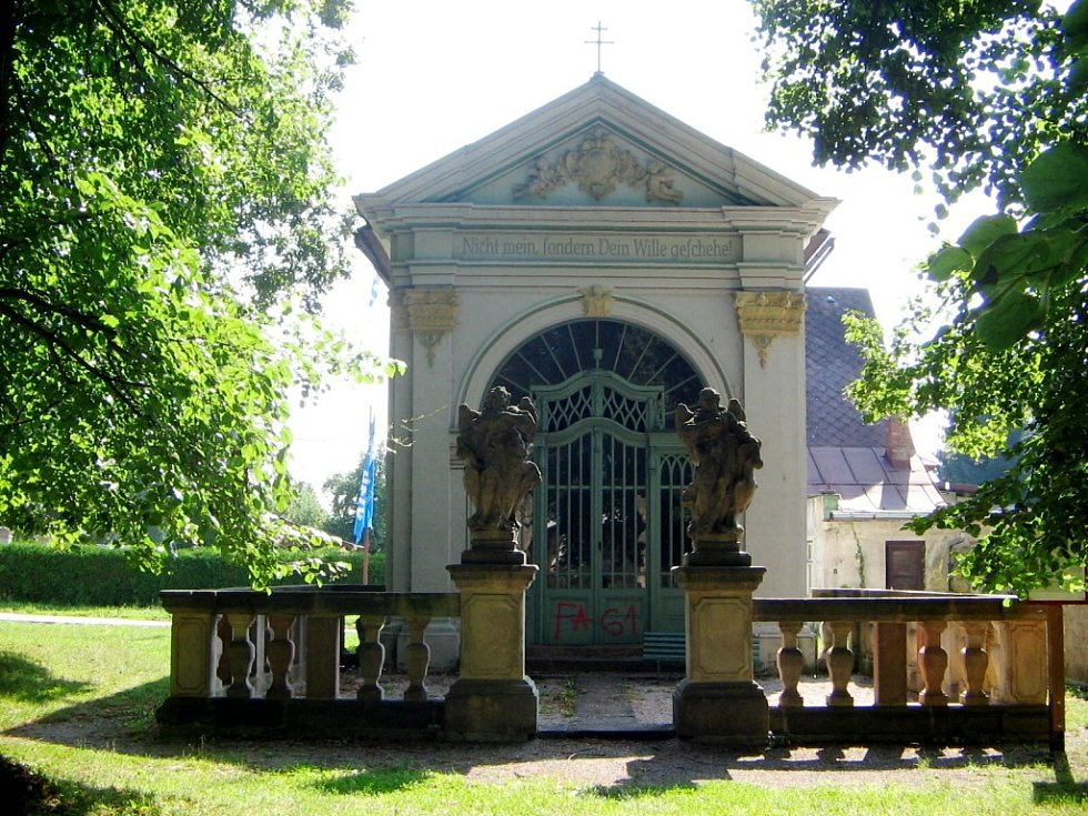 Olivetská kaple v Hostinném.