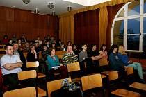 Veřejná debata na půdě hradeckého Biskupského gymnázia Bohuslava Balbína.
