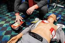Práce s defibrilátorem
