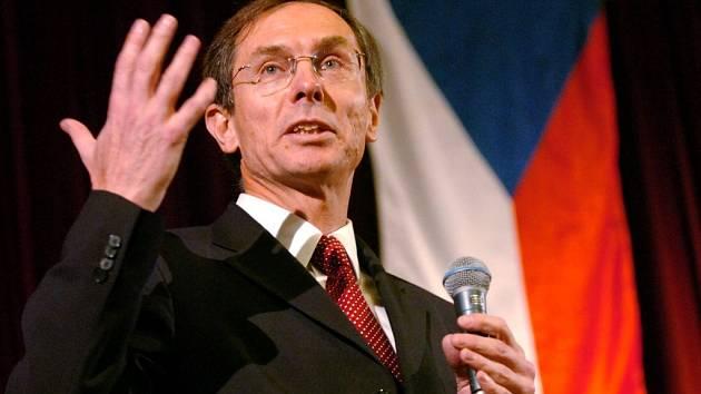 Jan Švejnar na veřejné besedě s občany