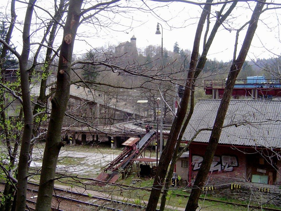 Litice nad Orlicí, nádraží a hrad