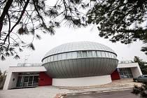 Digitální planetárium v Hradci Králové.