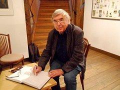 Vladimír Suchánek se tvorbě exlibris věnuje léta.