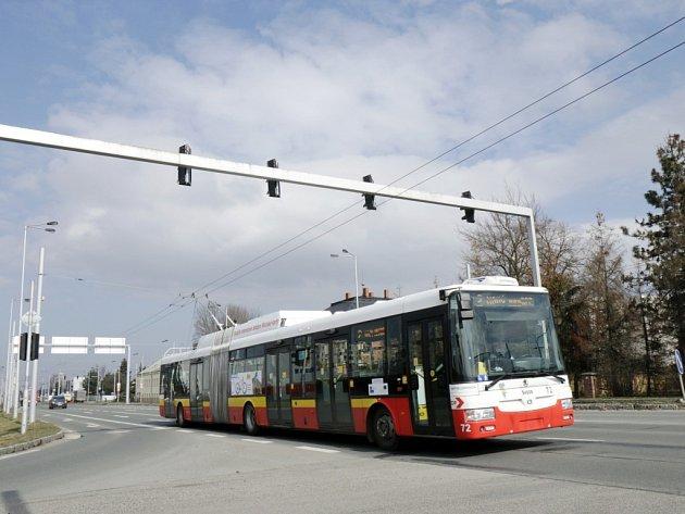 Z křižovatky Brněnské a Palachovy ulice v Hradci Králové by v budoucnu měly odbočovat trolejbusy.